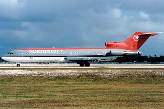 Northwest Airlines | Boeing 727-200 | N815EA | Ft. Lauderdale | by Dennis HKG