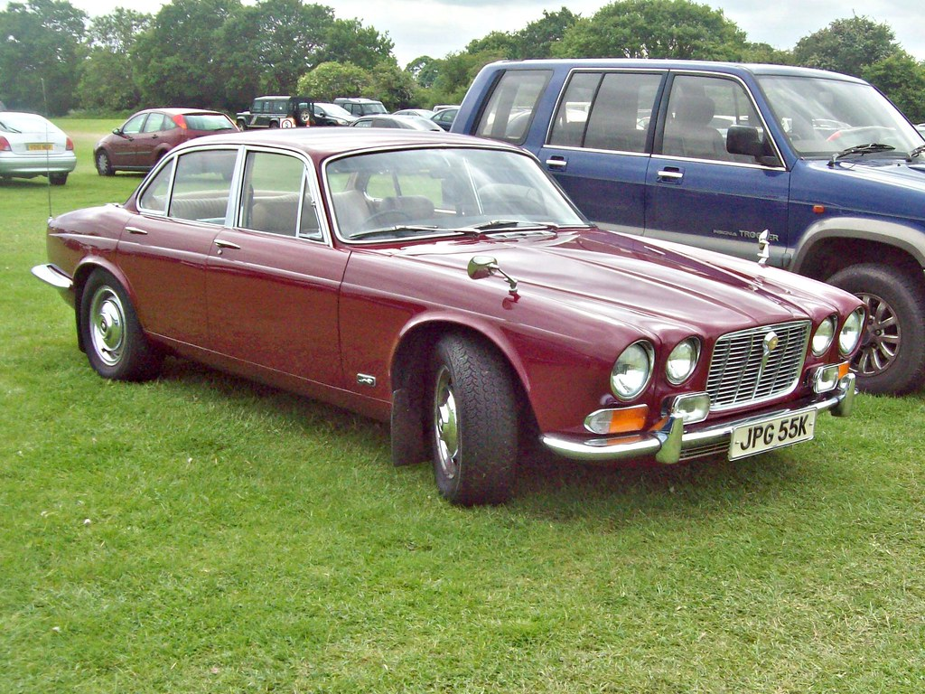 Exceptional ... 325 Jaguar XJ6 (Ser.I) (1972) | By Robertknight16
