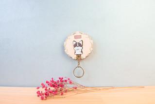 鑰匙圈 客製化 禮物 特色產品 居家 台灣設計 生日 情人節 狗 情侶 動物 法鬥 花圈 寵物 文化 傳統 療癒 聖誕節 收納 裝飾 吊飾 送禮 中性 木 楓木 胡桃木 鑰匙