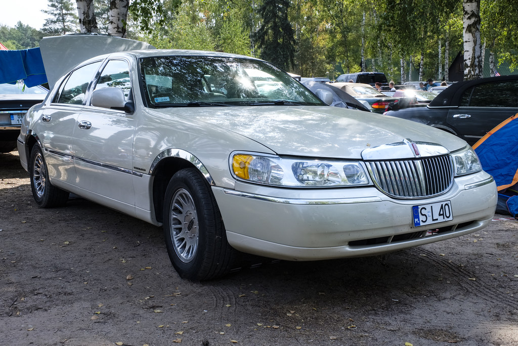 1999 Lincoln Town Car Cartier Thomas T Flickr