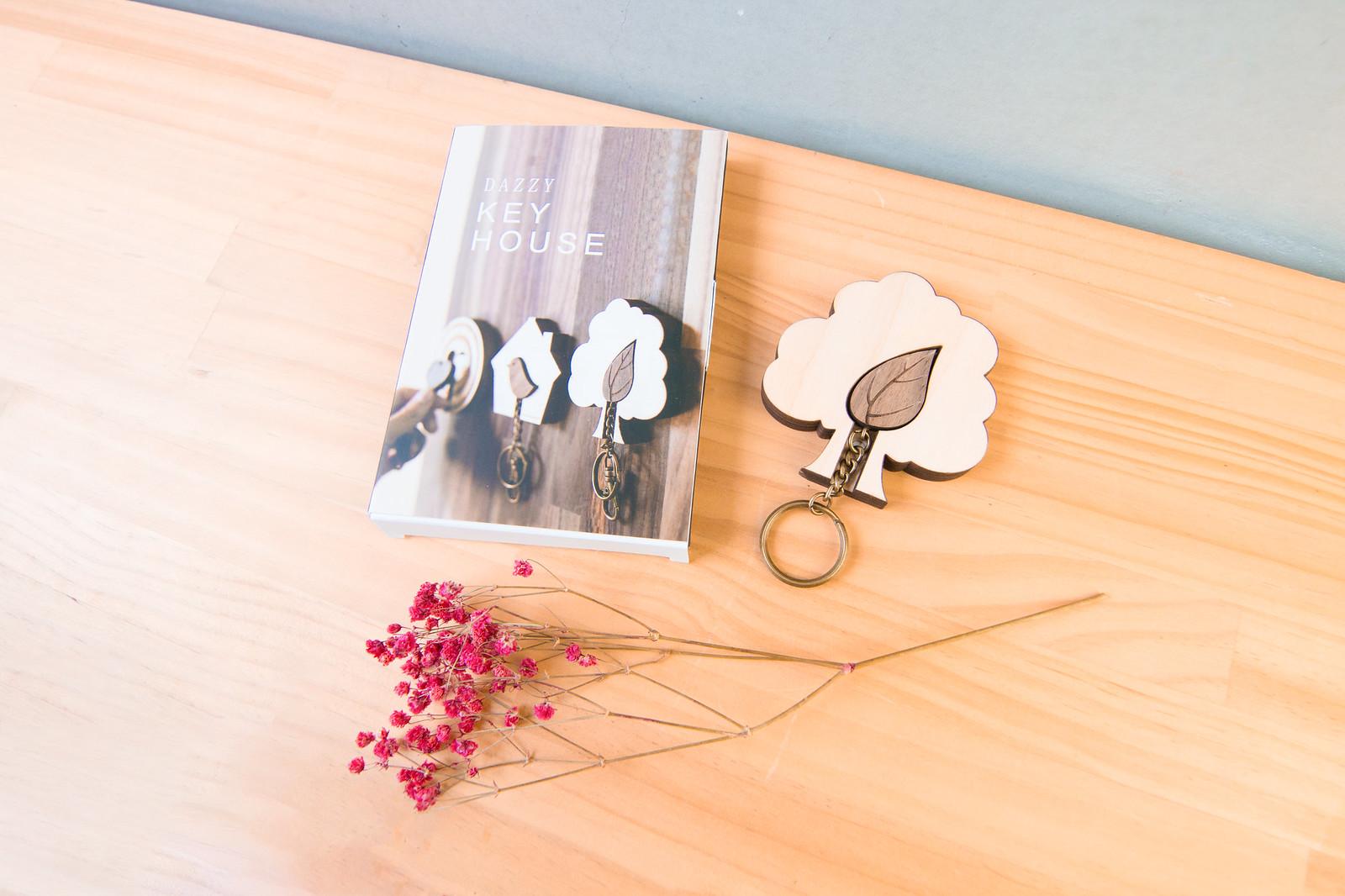 鑰匙圈 客製化 禮物 特色產品 居家 台灣設計 生日 情人節 情侶 葉子 婚禮 結婚 樹 壁掛 簡約 多肉 玄關 療癒 聖誕節 收納 裝飾 吊飾 送禮 中性 木 楓木 胡桃木 鑰匙