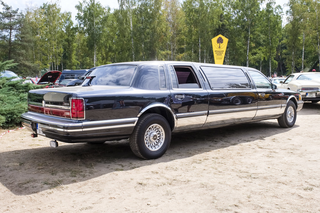 1990 Lincoln Town Car Limousine Thomas T Flickr