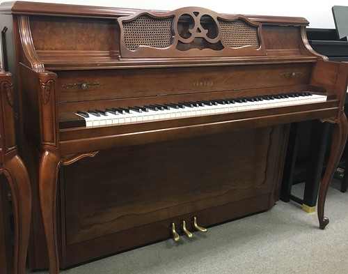 yamaha m25 cherry available for sale at hilton music store flickr. Black Bedroom Furniture Sets. Home Design Ideas