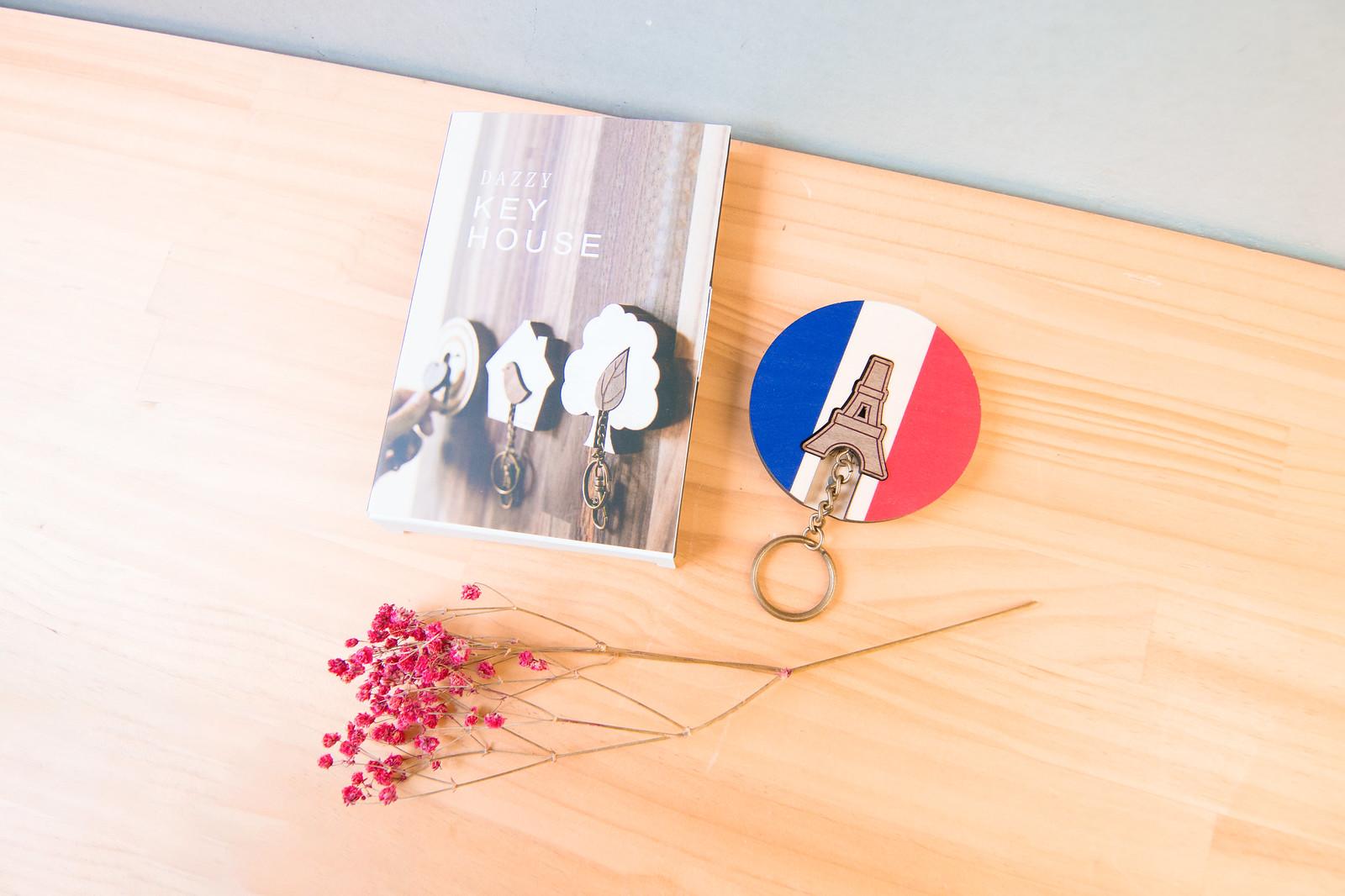 鑰匙圈 客製化 禮物 特色產品 居家 台灣設計 生日 情人節 法國 情侶 鐵塔 巴黎 文化 傳統 療癒 聖誕節 收納 裝飾 吊飾 送禮 中性 木 楓木 胡桃木 鑰匙