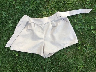 The Last Summer Project:  Simplicity 1887 Shorts (in Sparkly Linen!) | by patternandbranch