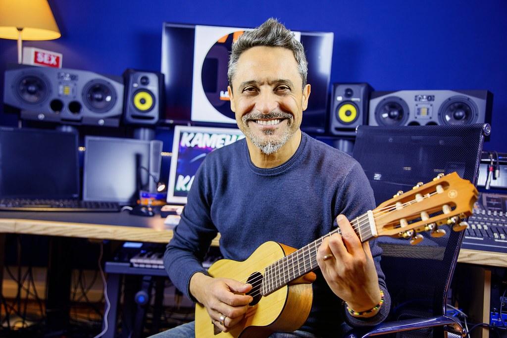 giorgio vanni  Giorgio Vanni | Giorgio Vanni posa nel suo studio di registr… | Flickr