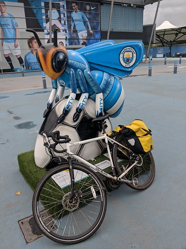 Mike Summer-Bee #beeinthecity | by dullhunk