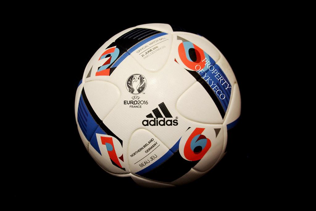 ... BEAU JEU UEFA EURO FRANCE 2016 ADIDAS OFFICIAL CERTIFIED MATCH USED  BALL 49866df629b35
