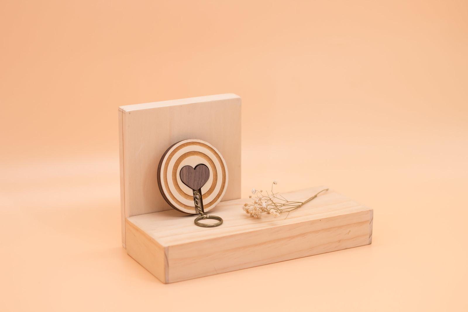 鑰匙圈 客製化 禮物 特色產品 居家 台灣設計 生日 情人節 情侶 愛心 婚禮 結婚 箭 壁掛 簡約 多肉 玄關 療癒 聖誕節 收納 裝飾 吊飾 送禮 中性 木 楓木 胡桃木 鑰匙