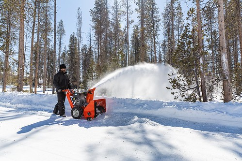 Briggs & Stratton  - Simplicity Signature Pro Snowthrowers | by Wisconsin Manufacturers & Commerce