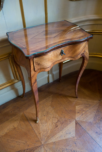 Antique side table | by quinet
