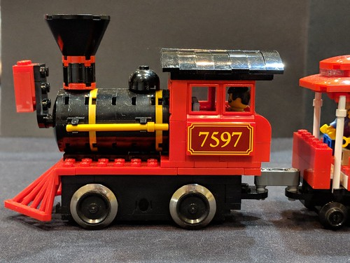 Amusement Park Train (Locomotive) | by Bill Ward's Brickpile