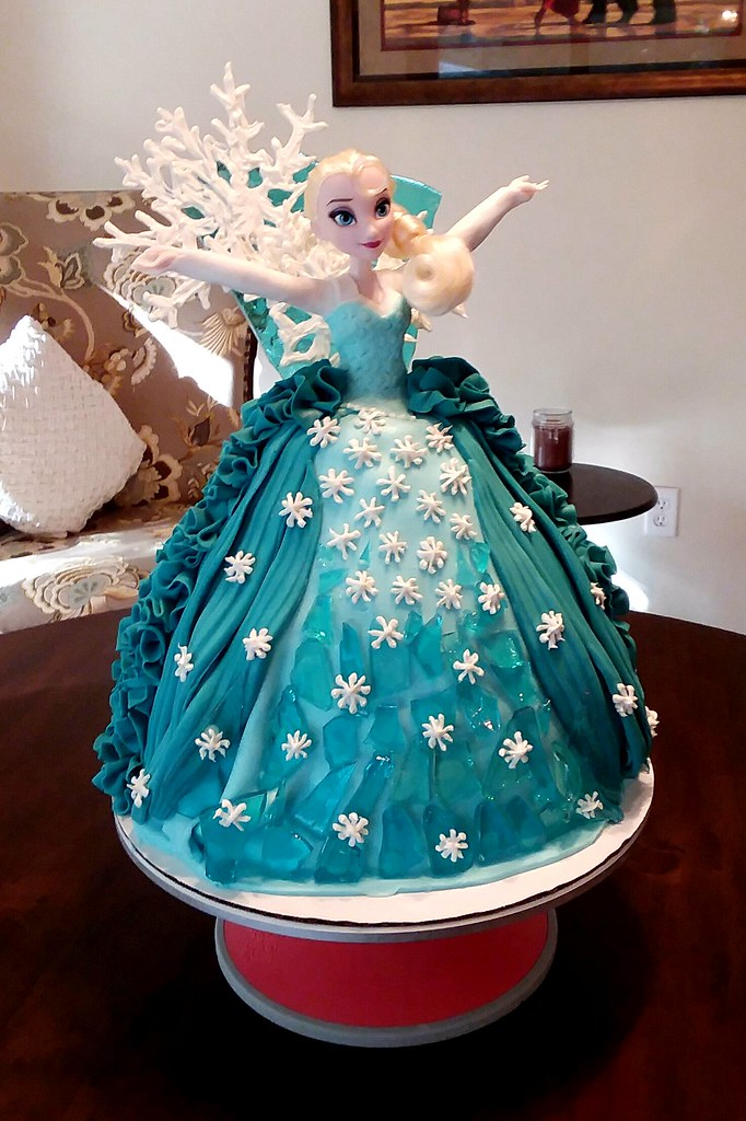 My Wife Made This Elsa Princess Cake For A 3 Year Old Girl Flickr