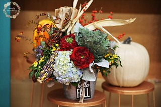 Fall Flowers — Photo by Mandy Stansberry Photography, Floral design by Madeline's Flowers in Edmond, Oklahoma | by Flower Factor