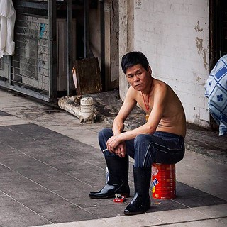 Found this guy in my pics from Hong-Kong, May of this year. Quite an attitude! I hesitated to click but glad I did it :) #break #cigarette #chinese #hk #hongkong #worker #laidback | by Scalino