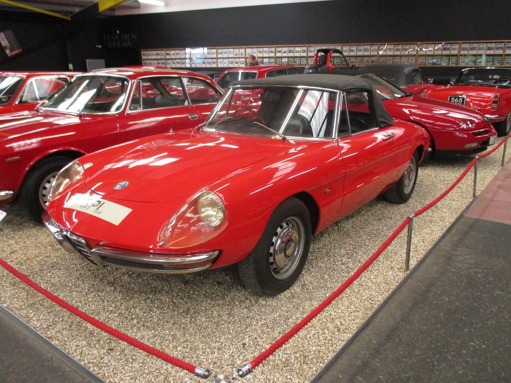 11 Alfa Romeo Spider Veloce 1968 Serie Flickr By Robertknight16