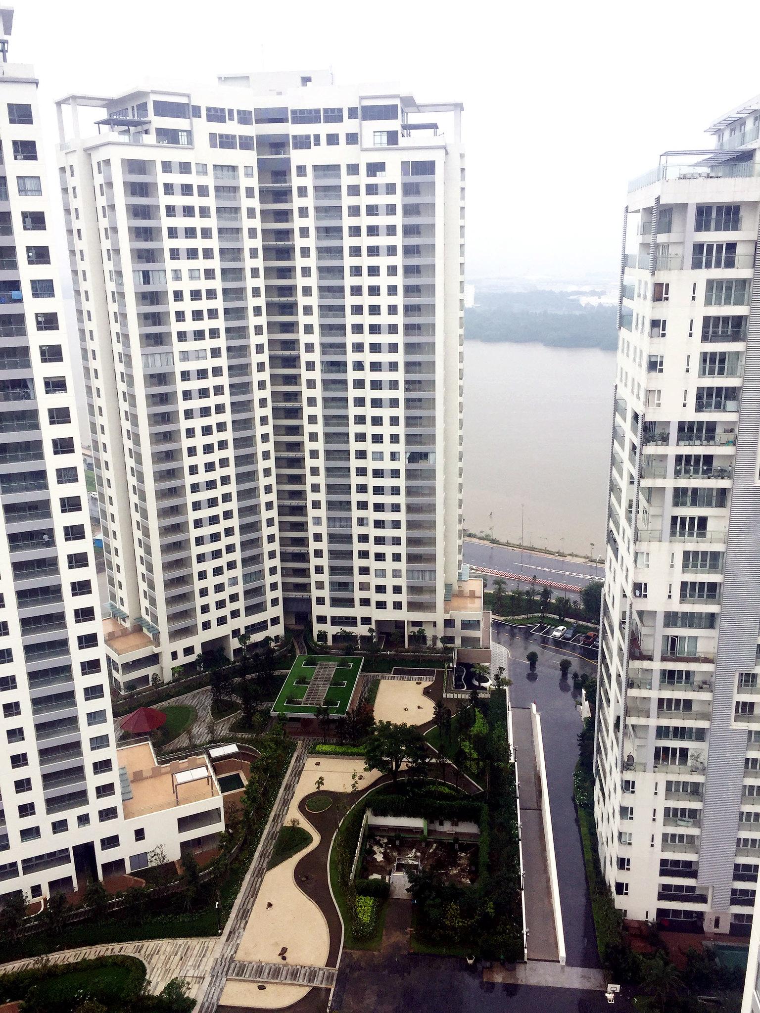 Và nhìn được 1 phần sông Sài Gòn