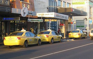 Bentleigh station taxi rank, September 2008 | by Daniel Bowen