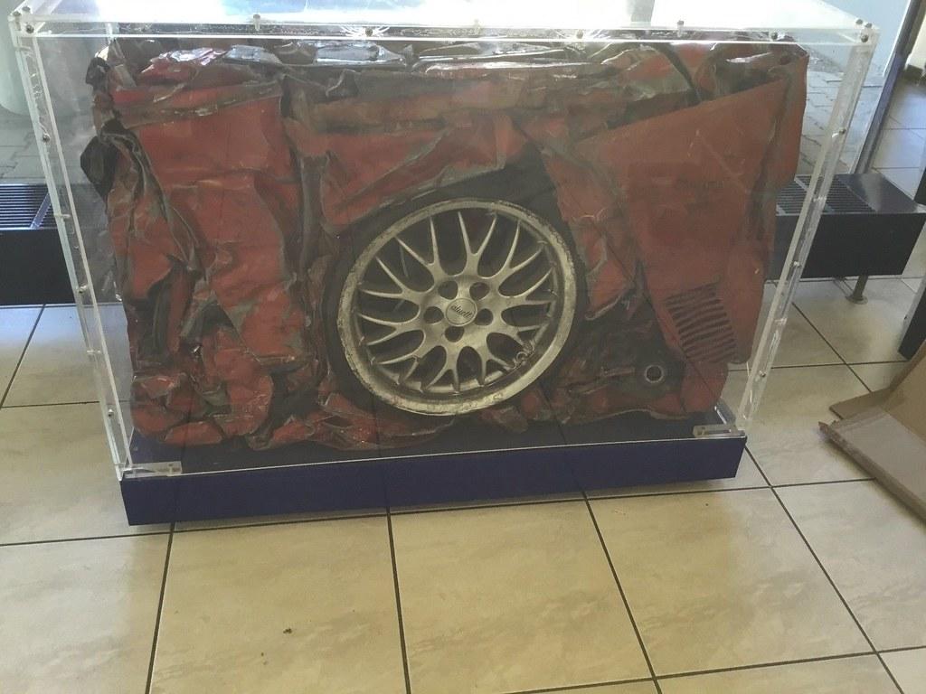 ... Dekorativ Gepresstes Auto Hinter Acrylglas   By Spassmarktplatz