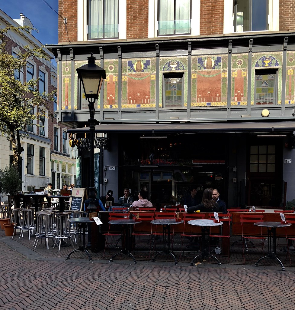 Hier was Bar Rest. Sijf, Oude Binenweg 115, hoek Jacobusstraat in  Rotterdam. Hier was