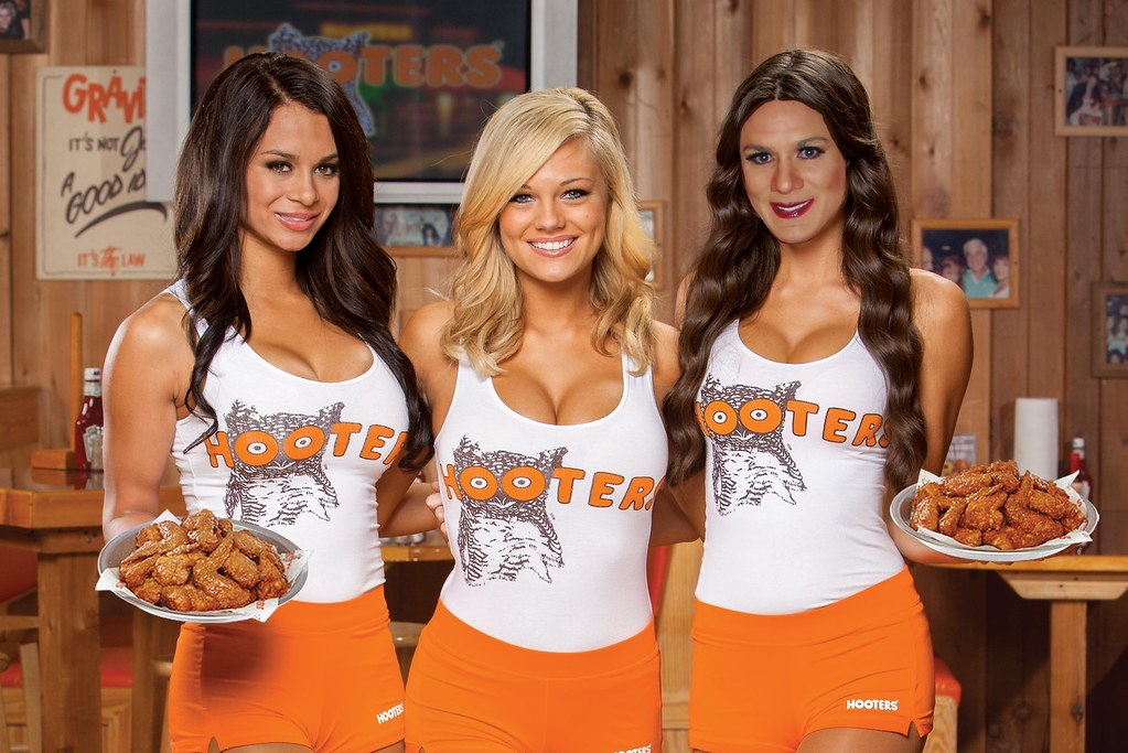 what does it take to be a hooters girl