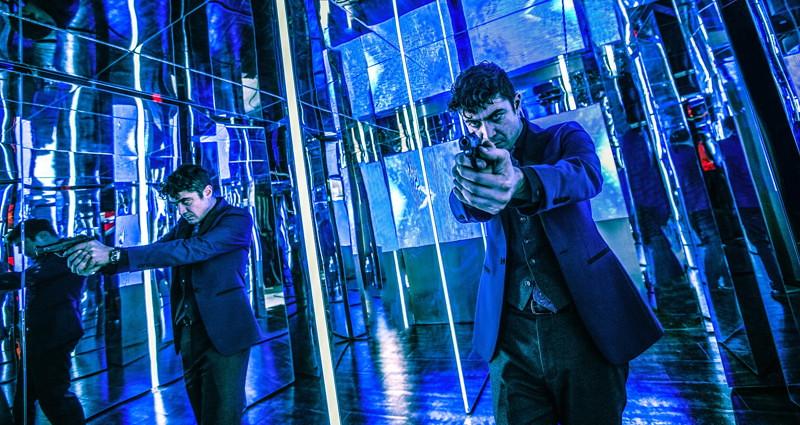 John Wick mirrors scene