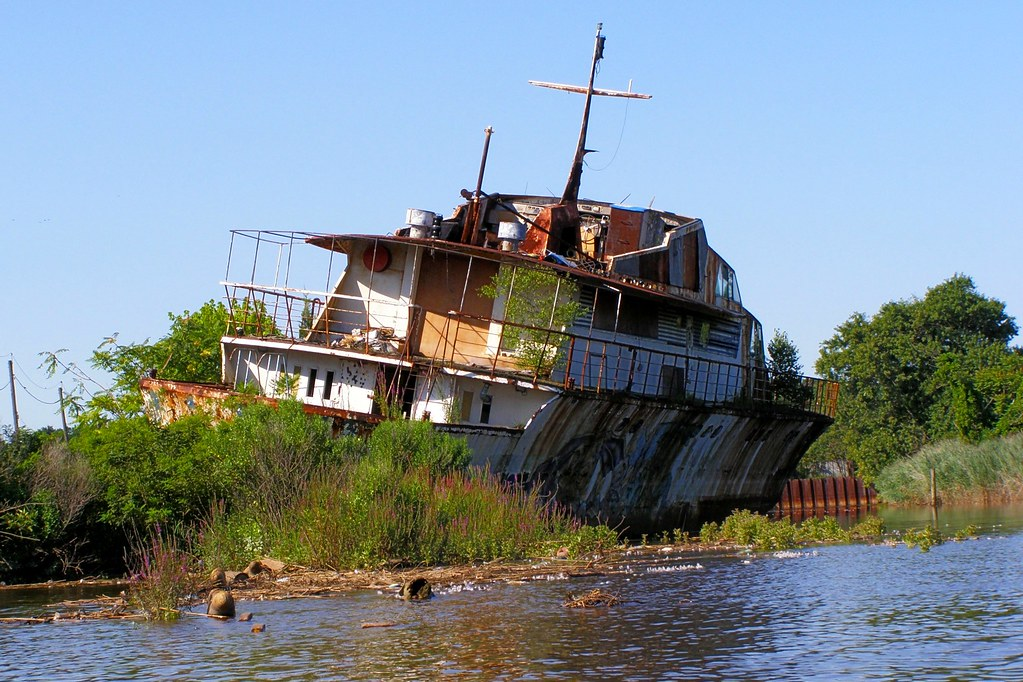 Luxury Yacht Ship Wreck Raritan River New Jersey Flickr