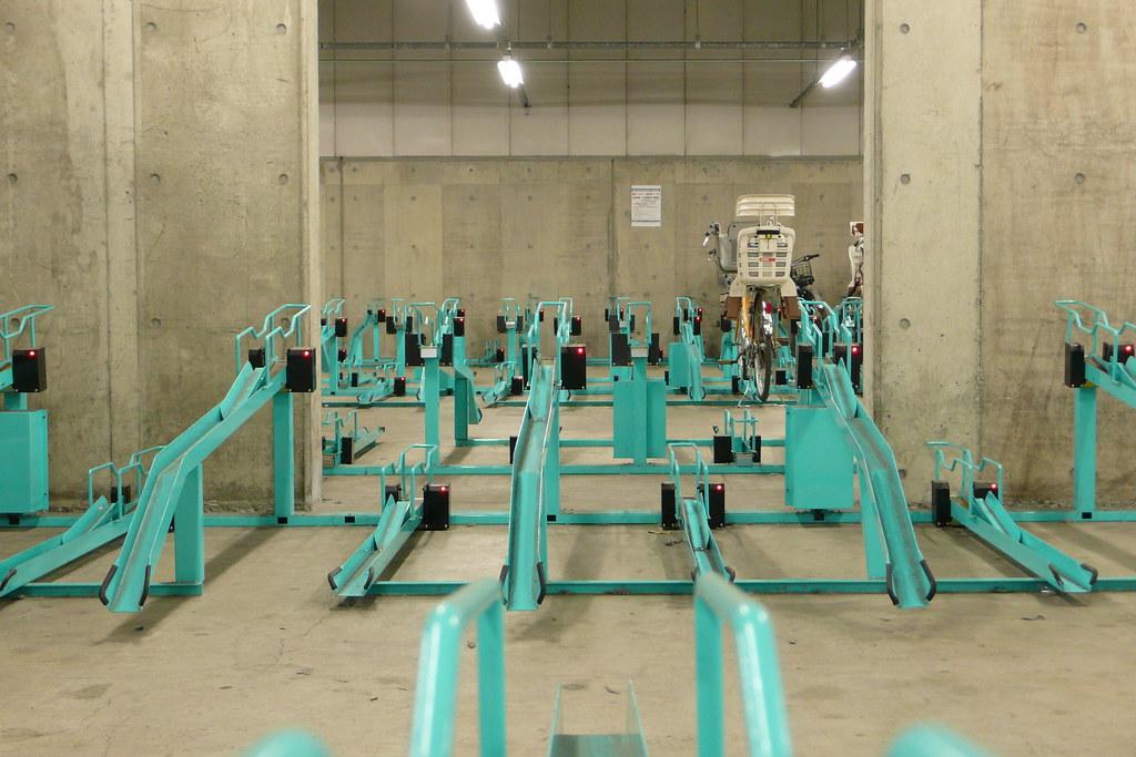 Indoor Bicycle Parking Indoor Parking Lot In Yokohama Shop Flickr