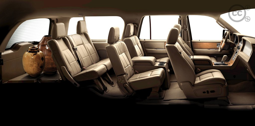 Wonderful ... 2008 Lincoln Navigator: Interior; Leater Seating | By Ford Motor Company