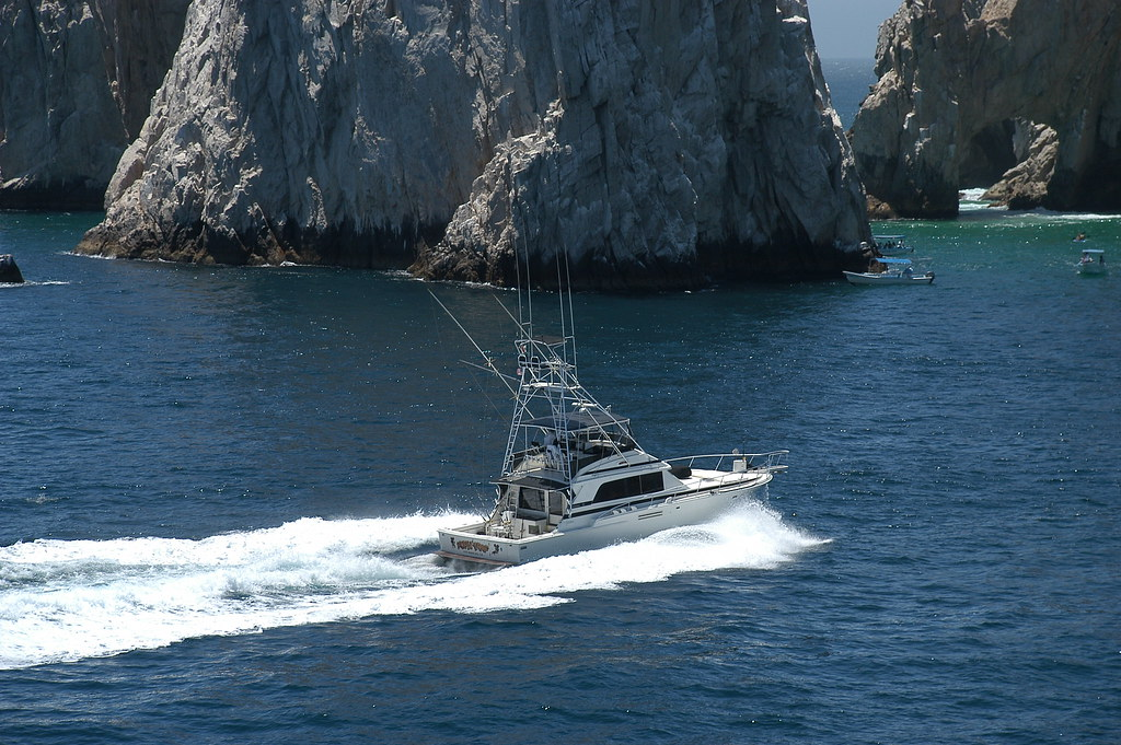 Fishing boat at los arcos cabo san lucas we stopped by for Los cabos fishing