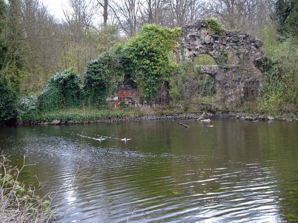 Wanstead Park grotto | Burnt-out stone folly beside an ...