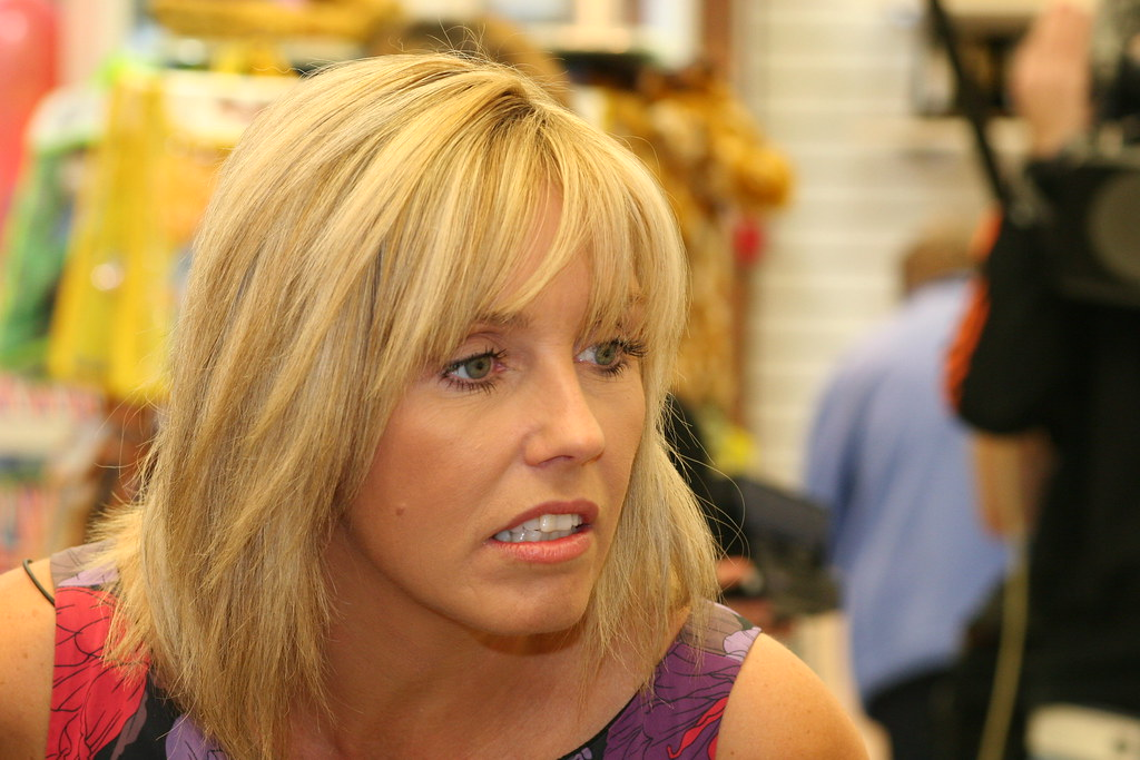 Ideal World Outlet Opening Tv Presenter Debbie At The