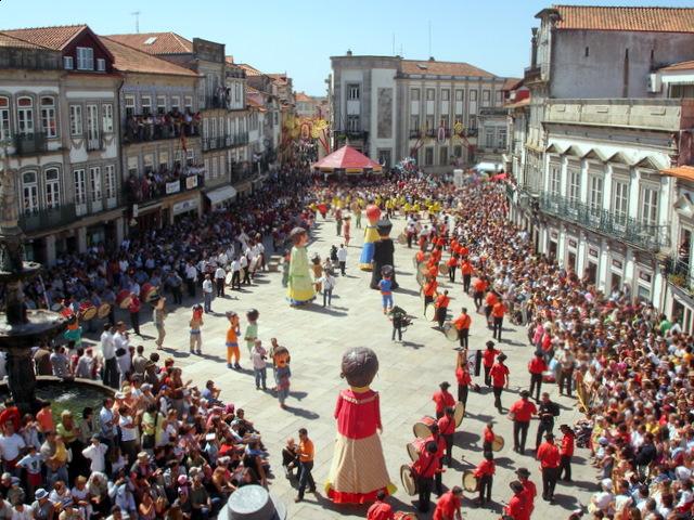 Revista de gigantones e cabe udos viana do castelo portuga - Viana do castelo portugal ...
