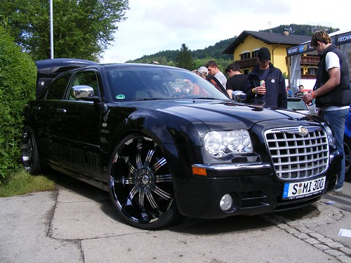 chrysler 300c mit 24 zoll felgen 24 inch rims mycedes. Black Bedroom Furniture Sets. Home Design Ideas