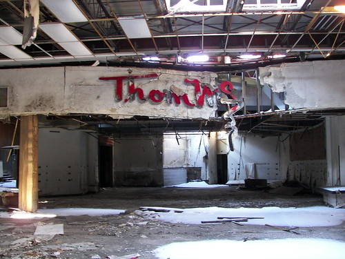 Dixie Square Mall - Harvey, Illinois | Thom McAnn Shoes ...
