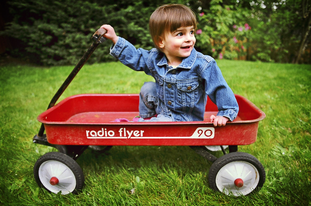radio flyer 90 if this wagon looks old school it is. Black Bedroom Furniture Sets. Home Design Ideas