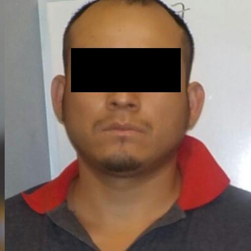 Detienen armado a presunto ladrón de vehiculos