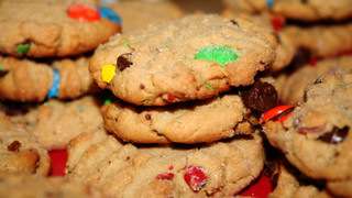 Peanut butter cookies with m&m's and chocolate chips | by ginnerobot