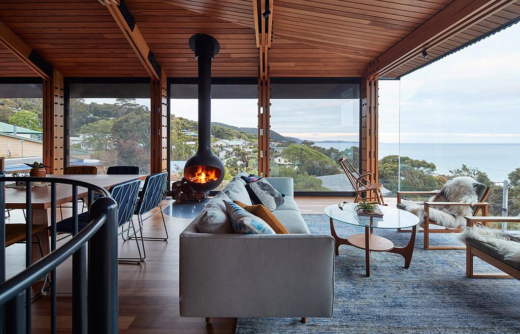 House on stilts design by Austin Maynard Architects in Australia Sundeno_03