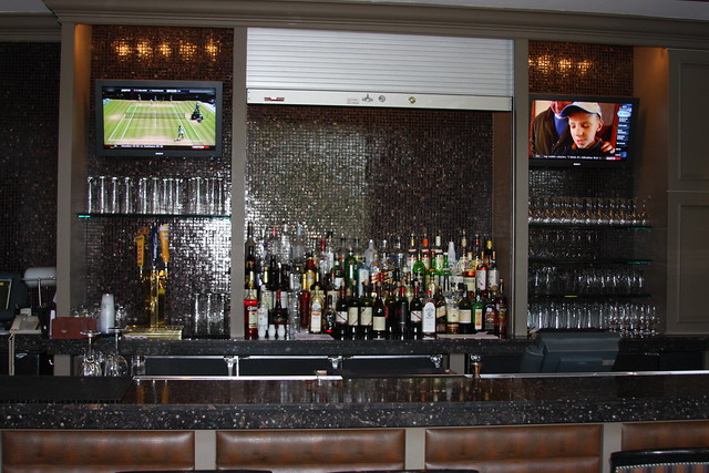 Four Seasons Bar
