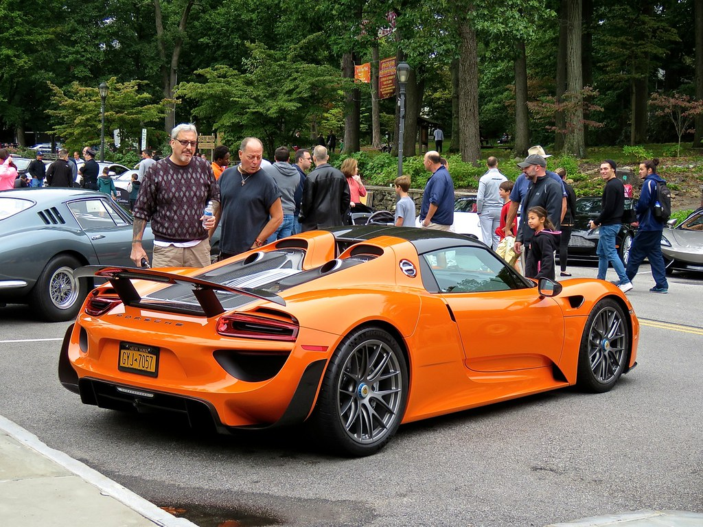 Porsche 918 Weissach Orange 1