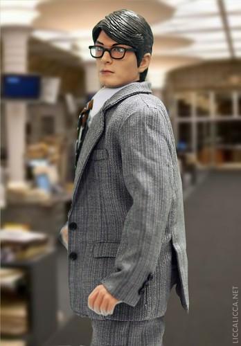 Hot Toys Clark Kent 17