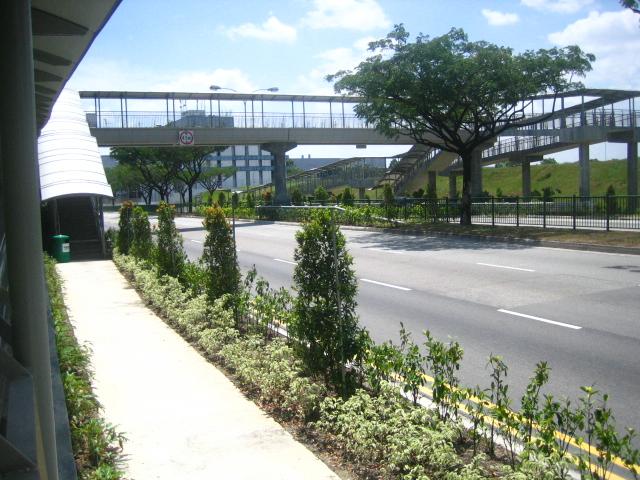 bridge leading to ikea courts giant hypermarket tampine flickr. Black Bedroom Furniture Sets. Home Design Ideas