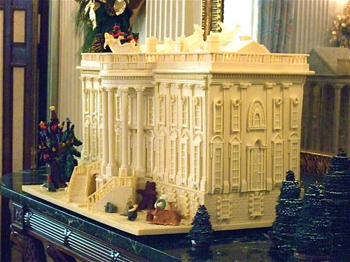 Gingerbread white house state dining room white house for Dining room c house of commons