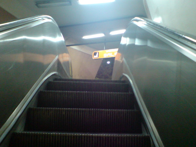 Escaleras Electricas En El Metro Flickr Photo Sharing