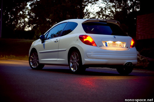 peugeot 207 rc gti at dusk my new 207 gti rc thp. Black Bedroom Furniture Sets. Home Design Ideas