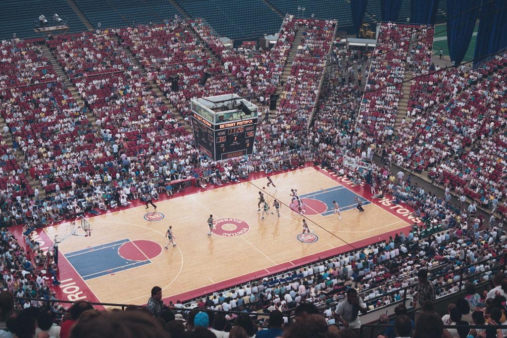 (18) Pontiac Silverdome (Detroit Pistons vs Boston Celtics ...
