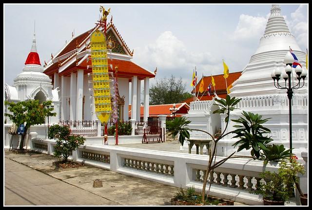 Wat Pramai Yikawat 2  Flickr - Photo Sharing!