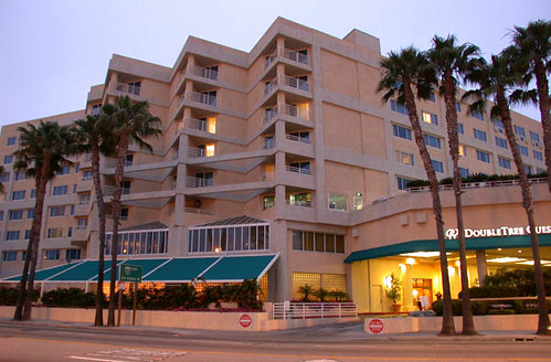 doubletree suites santa monica exterior doubletree hotel. Black Bedroom Furniture Sets. Home Design Ideas