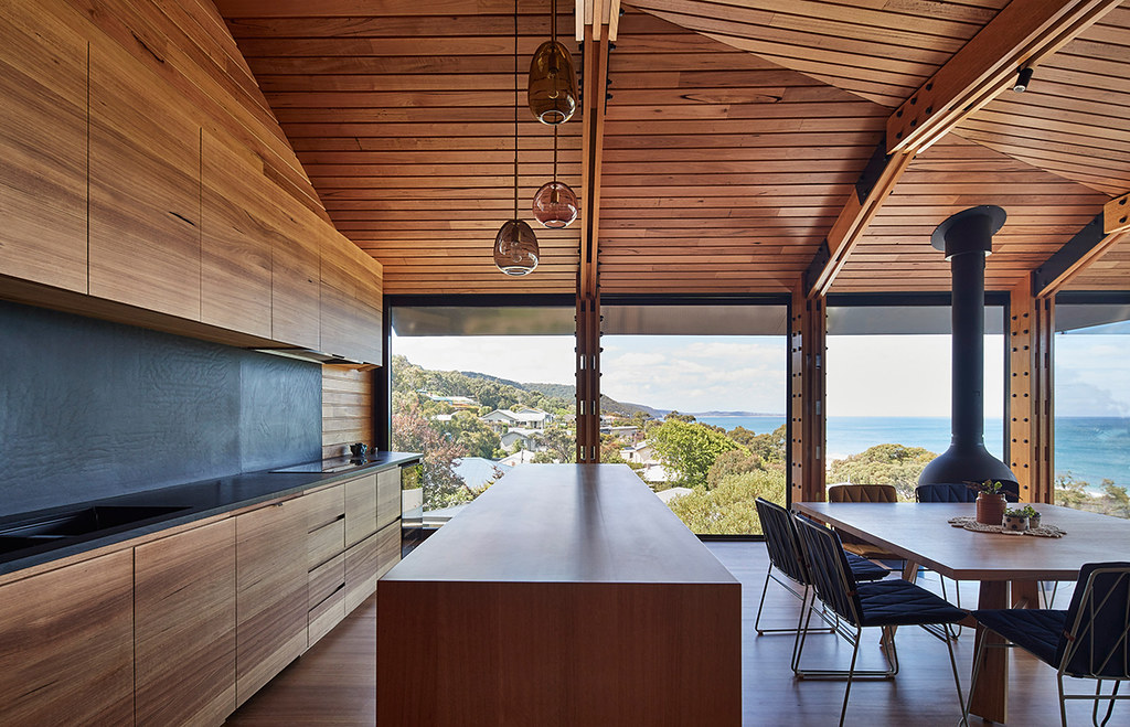 House on stilts design by Austin Maynard Architects in Australia Sundeno_07